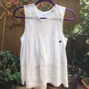 Abercrombie & Fitch White Sleeveless Lacey Top